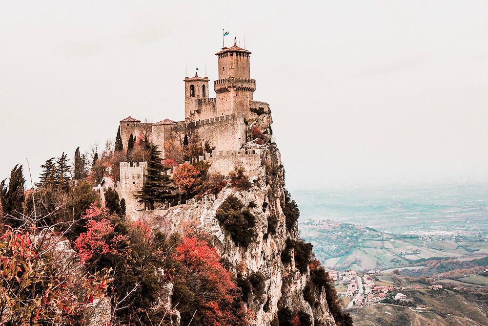Postais de San Marino: uma joia no coração da Itália