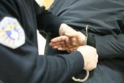 Dy të arrestuar në Prizren, një në Suharekë