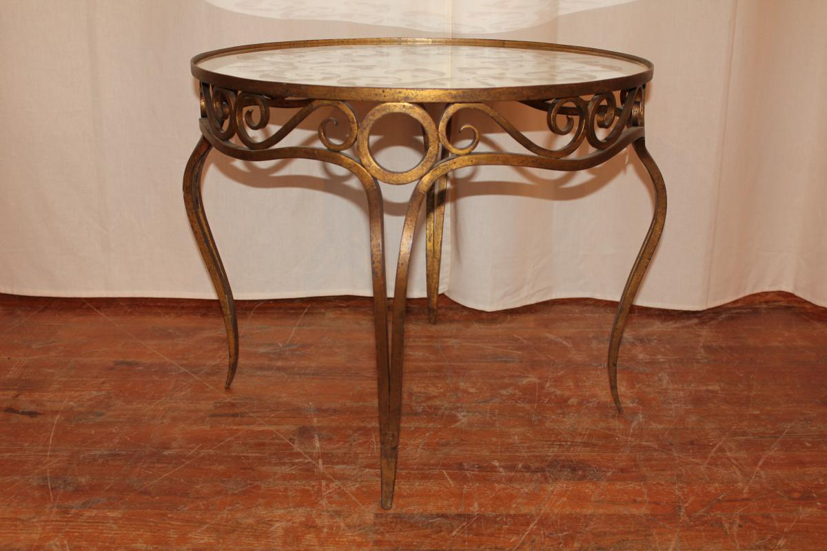 Table De Salon En Fer Table De Salon En Fer Forgé Doré Style Art Déco Tables