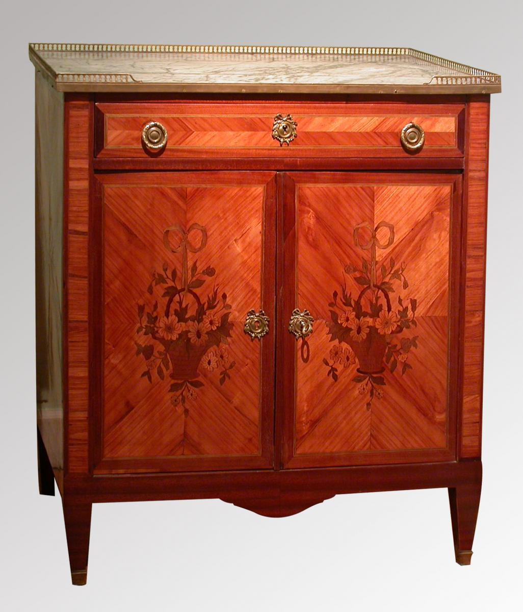 Meuble Louis Un Meuble Louis Xvi Commodes