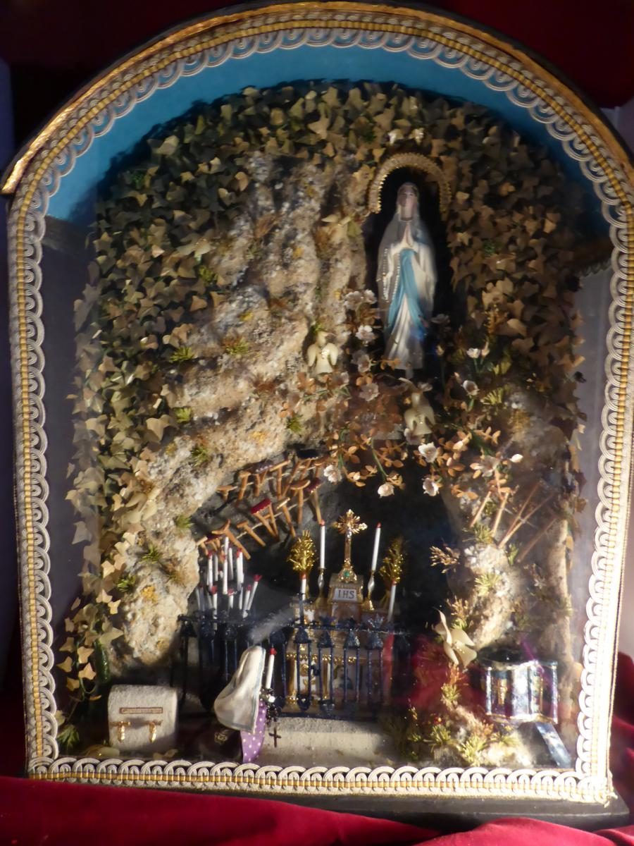 Art Decoration Conception Diorama Lourdes Grotto Bernadette And Immaculee Conception
