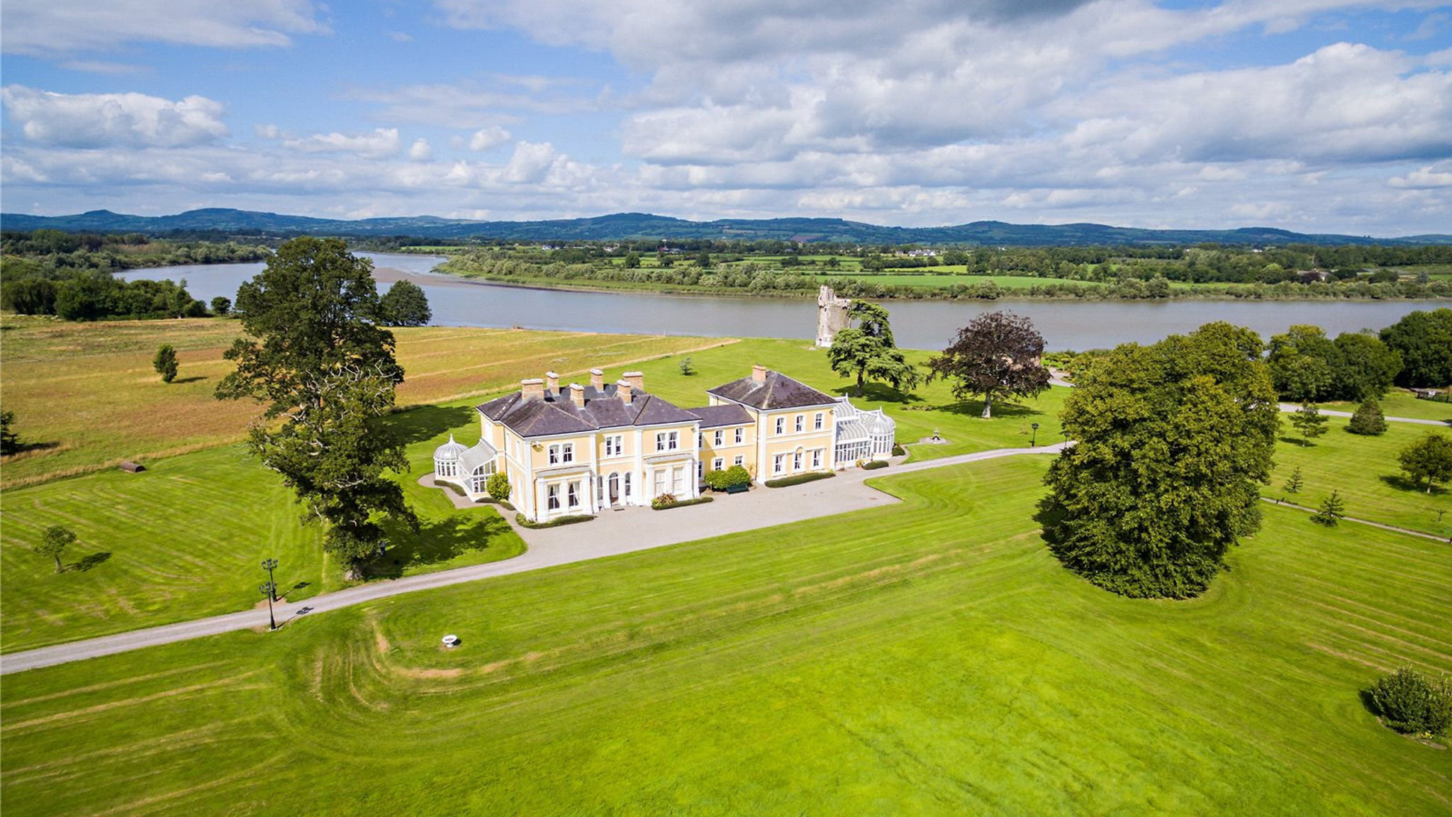 Paradise Ireland Luxury Country Estates At A Discount Financial Times