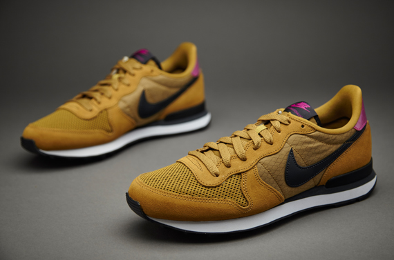 Nike Schoenen Mens Shoes - Nike Sportswear Internationalist - Bronzine