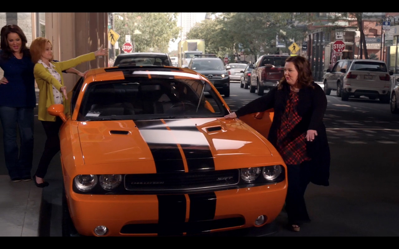 Dell Charger Dodge Challenger Srt - Mike & Molly Tv Show