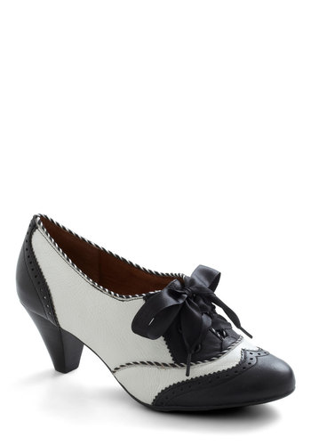 Shoeful of Sugar Heel in Black  White