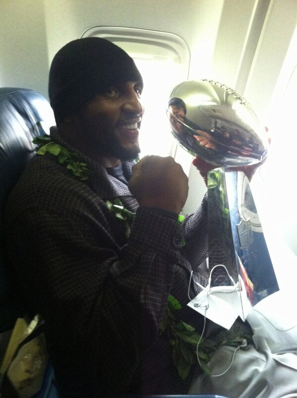 ray lewis super bowl trophy