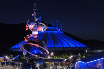 Space Mountain and the Orbitron, Space Mountain, Hong Kong Disneyland