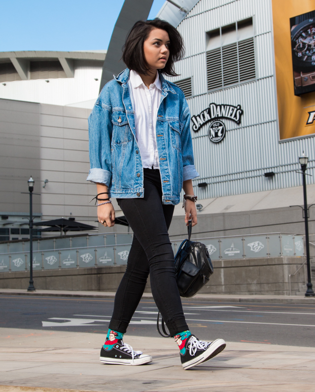 White Button Down--F21. Jean Jacket--Thrifted. Black Jeans--H&M. Frida Kahlo Socks--Gifted. Converse--Shi by Journeys.