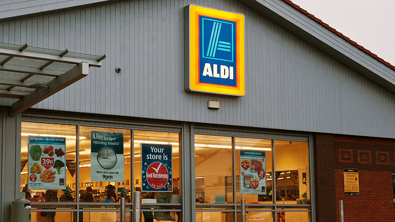 Aldi Reclame Mccann 39s Aldi Ads Banned For Making Misleading Claims