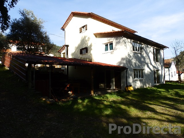 Traditional House in Góis near the river