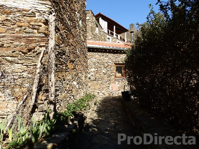 Big renovated stone house central Portugal
