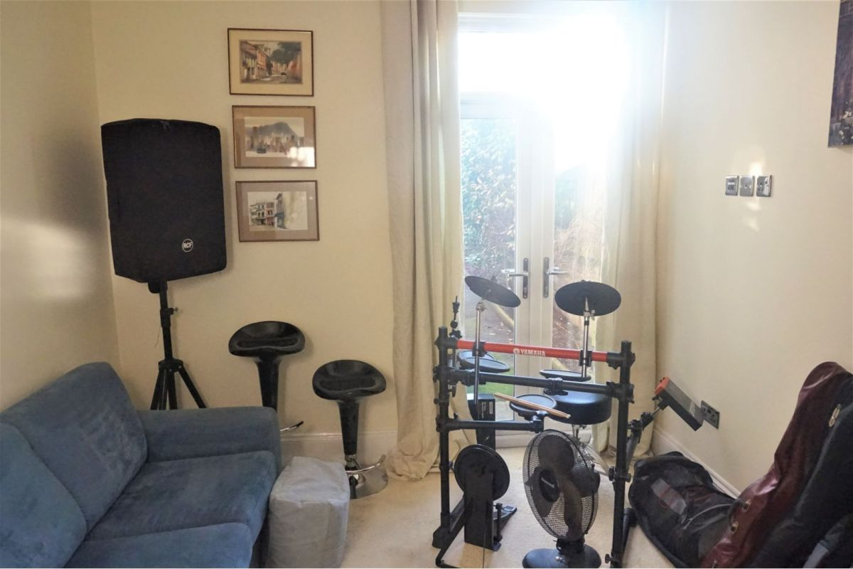 4 Bedroom Semi Detached For Sale In Paignton Cliff Road