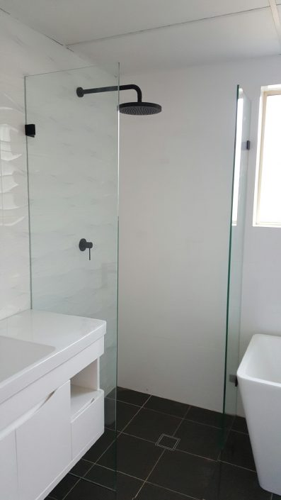 Modern Bathroom Mirrors Frameless Shower Screens | Shower Screens Sydney | Free Quote