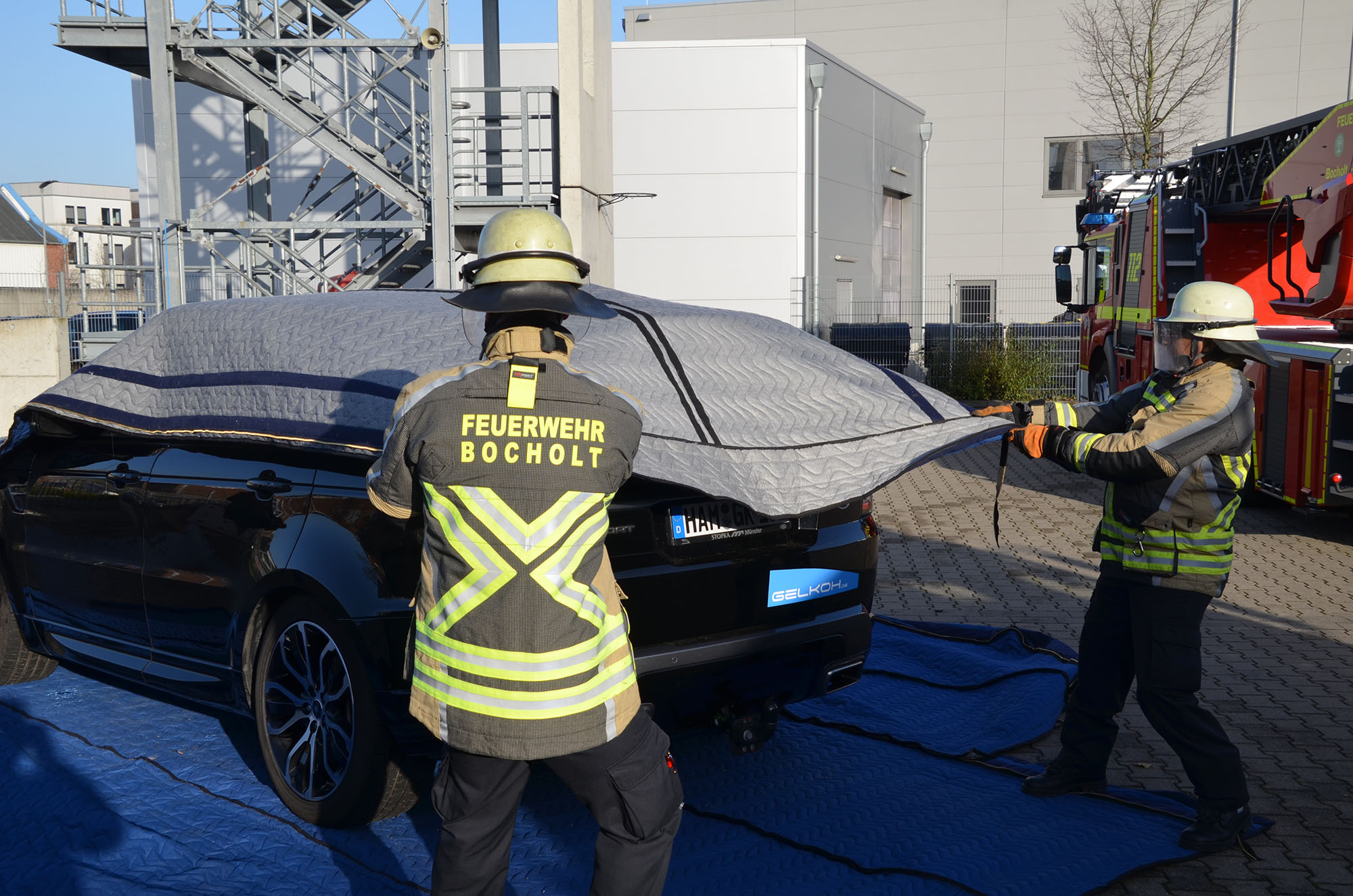 Löschdecke Test Ibena Develops Fire Protection Blanket For Electric Cars And Ebikes - Ibena Protect