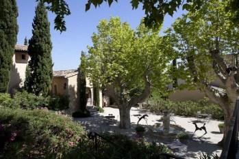 Les Hameau des Baux Mausanne Luxury - pampered seclusion
