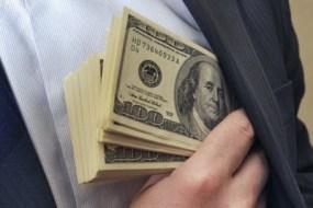 На Тернопільщині впіймали адвоката з хабарем у 2500 доларів США