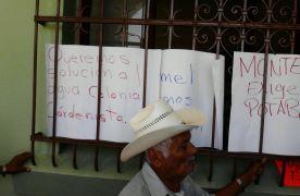 Toman habitantes de Monte Blanco palacio municipal de Fortín