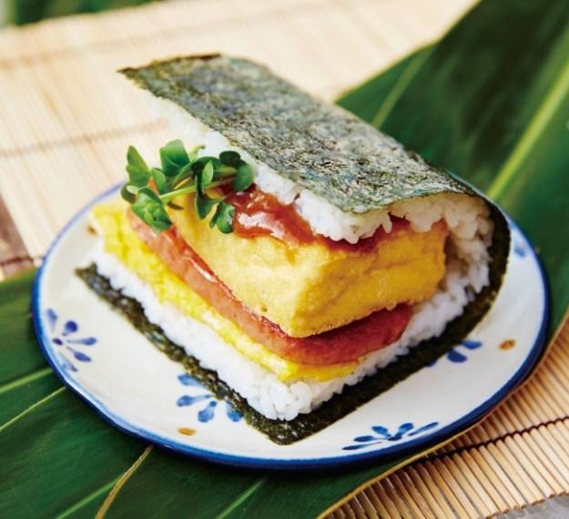 「ポークたまごおにぎり本店」島豆腐の厚揚げ 自家製油みそポークたまごおにぎり(1個)各431円