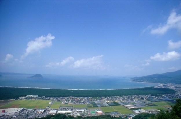日本三大松原のひとつ「虹の松原」