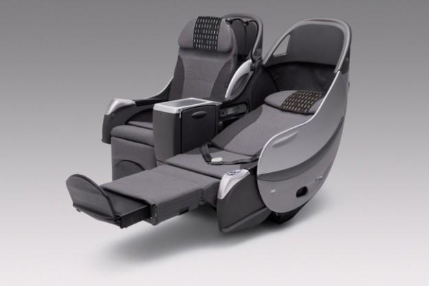 座席一例:JAL SHELL FLAT SEAT