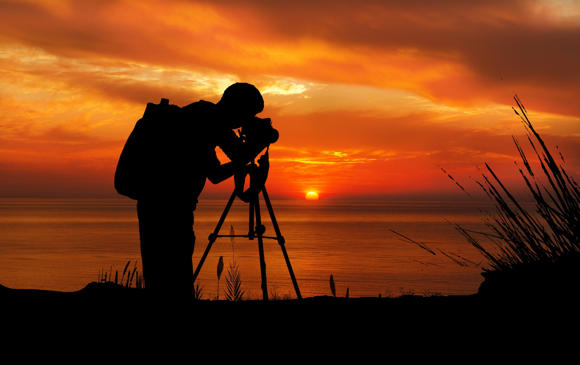 Bilder Vom Fotografen Photographer At Sunset Silhouette Free Stock Photo