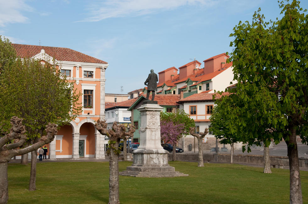 El pueblo de Colombres en Asturias