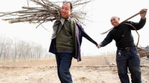 This Blind Man And His Armless Friend Are Saving An Entire Village In China