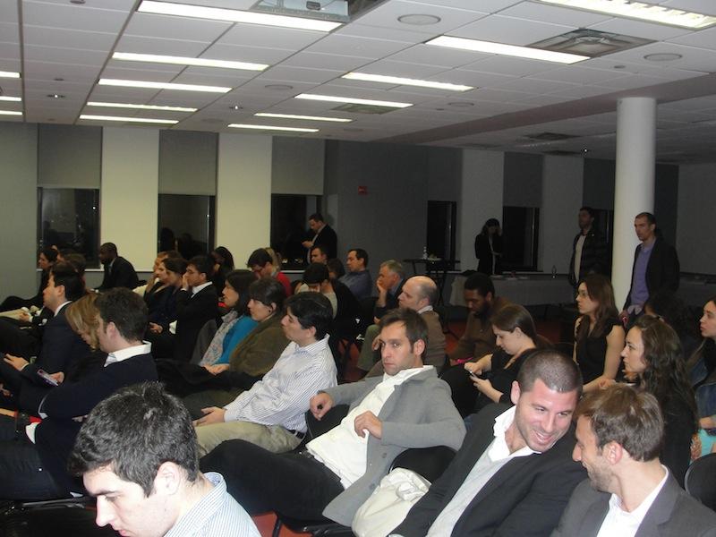 Algunos de los asistentes que llenaron el PS10 en Nueva York.