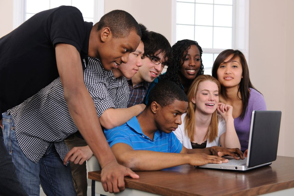 Teenage-Students-High-School-in-Mauritius