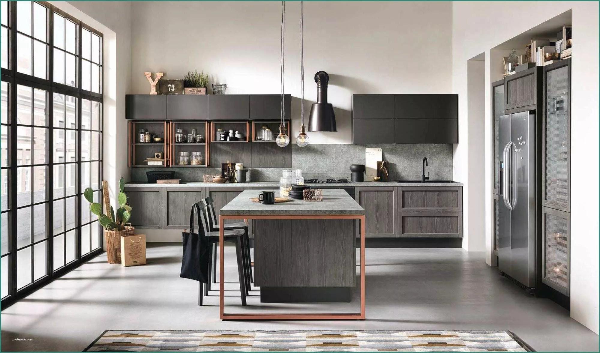 Cucina Rustica Industriale | Interni Cucina Rustica Foto Stock ...
