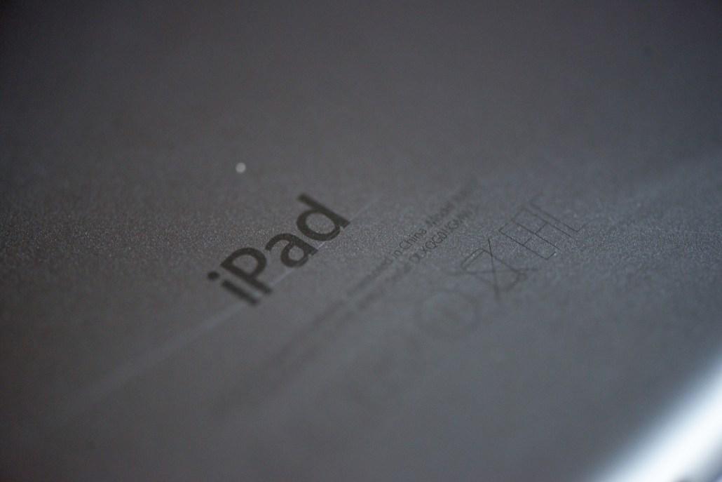 iPad-Schriftzug am Rücken des Geräts © Martin Skopal