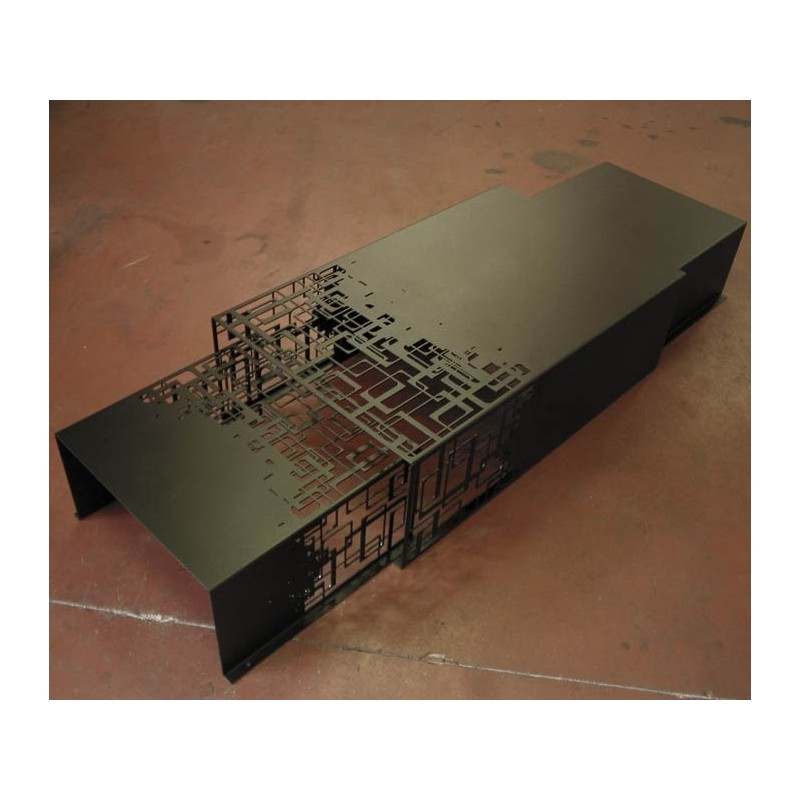 Black metal nesting tables Cubical designed by french designers
