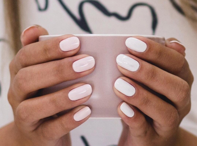 How To Pose Your Hands For Manicure Photos Purewow