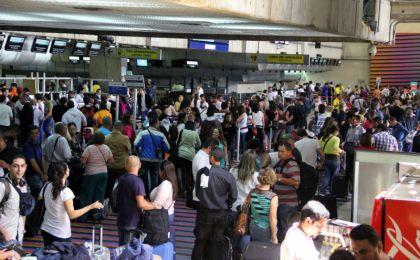 10% de los venezolanos dicen hacer trámites para emigrar