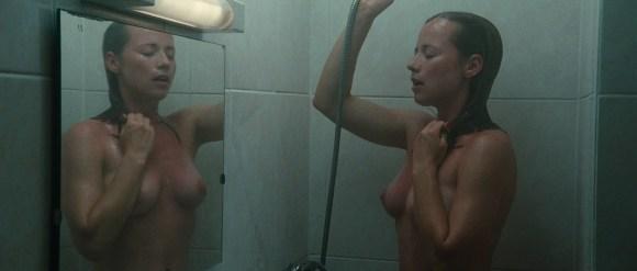 Karine Vanasse nue Switch 02