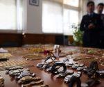 Παρουσίαση των κλοπιμαίων των εγκληματικών ομάδων που εξαρθρώθηκαν πρόσφατα και έγιναν γνωστά «ως μαφία των Ρομά», στο αστυνομικό τμήμα του Αμαρουσίου, Τετάρτη 1 Φεβρουαρίου 2017. ΑΠΕ-ΜΠΕ/ ΑΠΕ-ΜΠΕ/ ΟΡΕΣΤΗΣ ΠΑΝΑΓΙΩΤΟΥ