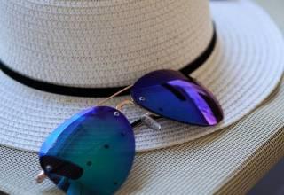 sunglasses-2632259_1920