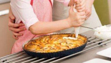 delicious-apple-cream-pie-e1554320531419