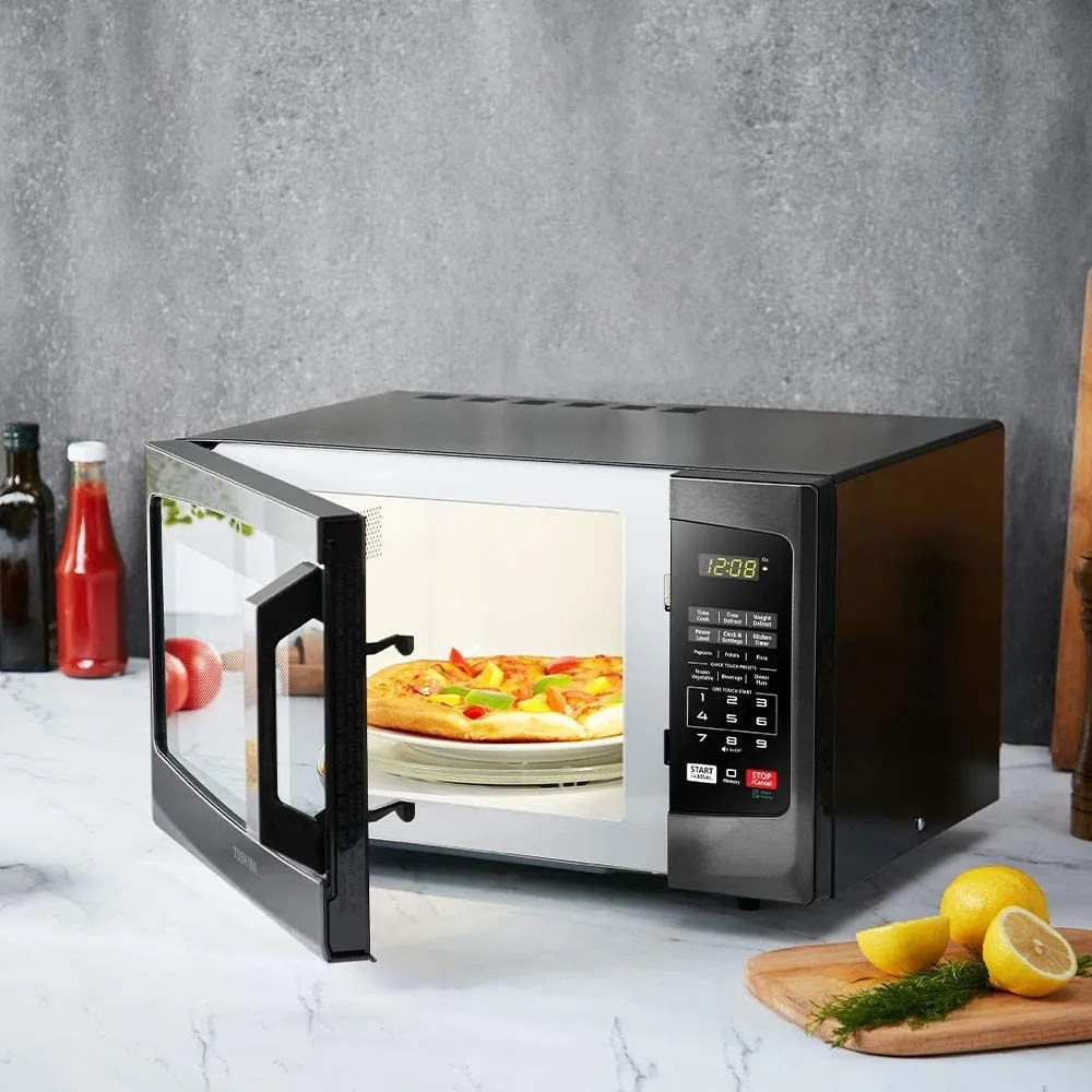 11 Best Microwave Ovens And Countertop Microwaves 2021 The Strategist New York Magazine