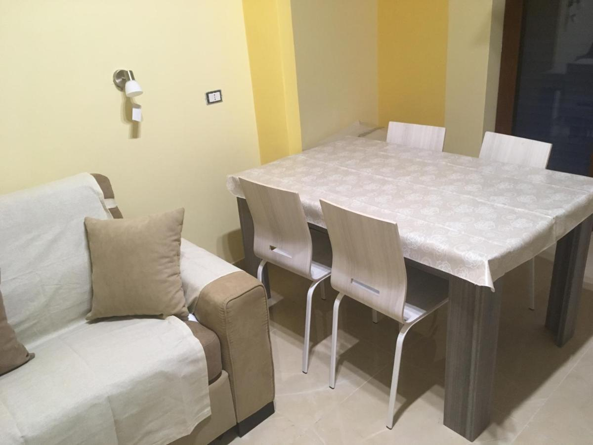 Apartment Pompei City Center Star Pompei Italy Booking Com - Divano 4 Metri Lineare