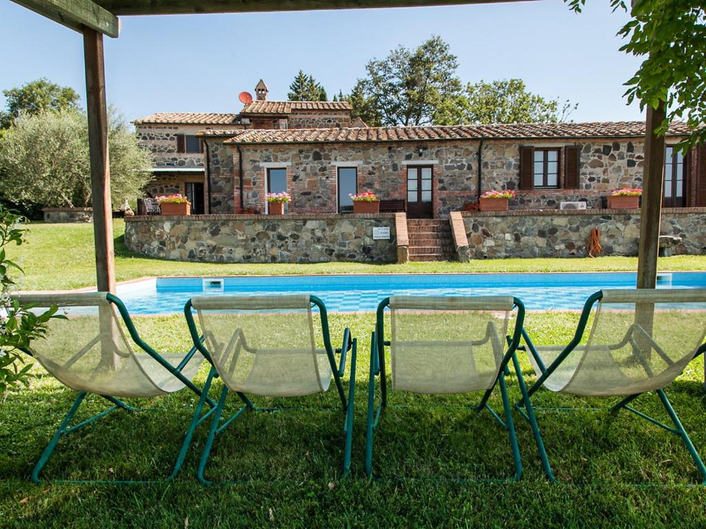 Cash Pool Italien Val D 39orcia Rental In Radicofani Italy