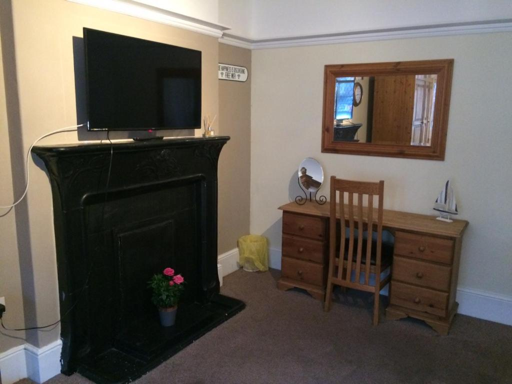 Bed And Breakfast Broadstairs The Crown Guesthouse Bed Breakfast Broadstairs