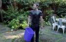 Mark Zuckerberg Dump a Bucket of Ice Water on His Head