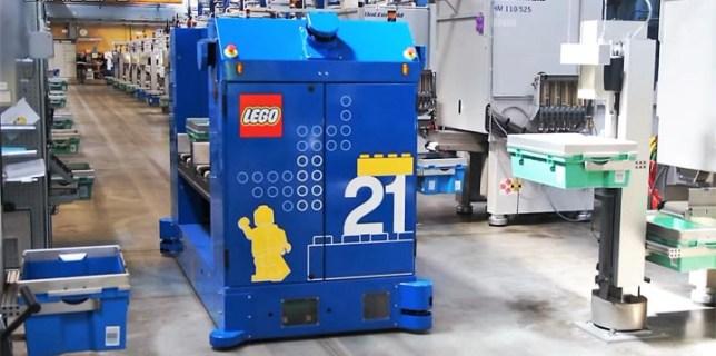 LEGO Factory Robot