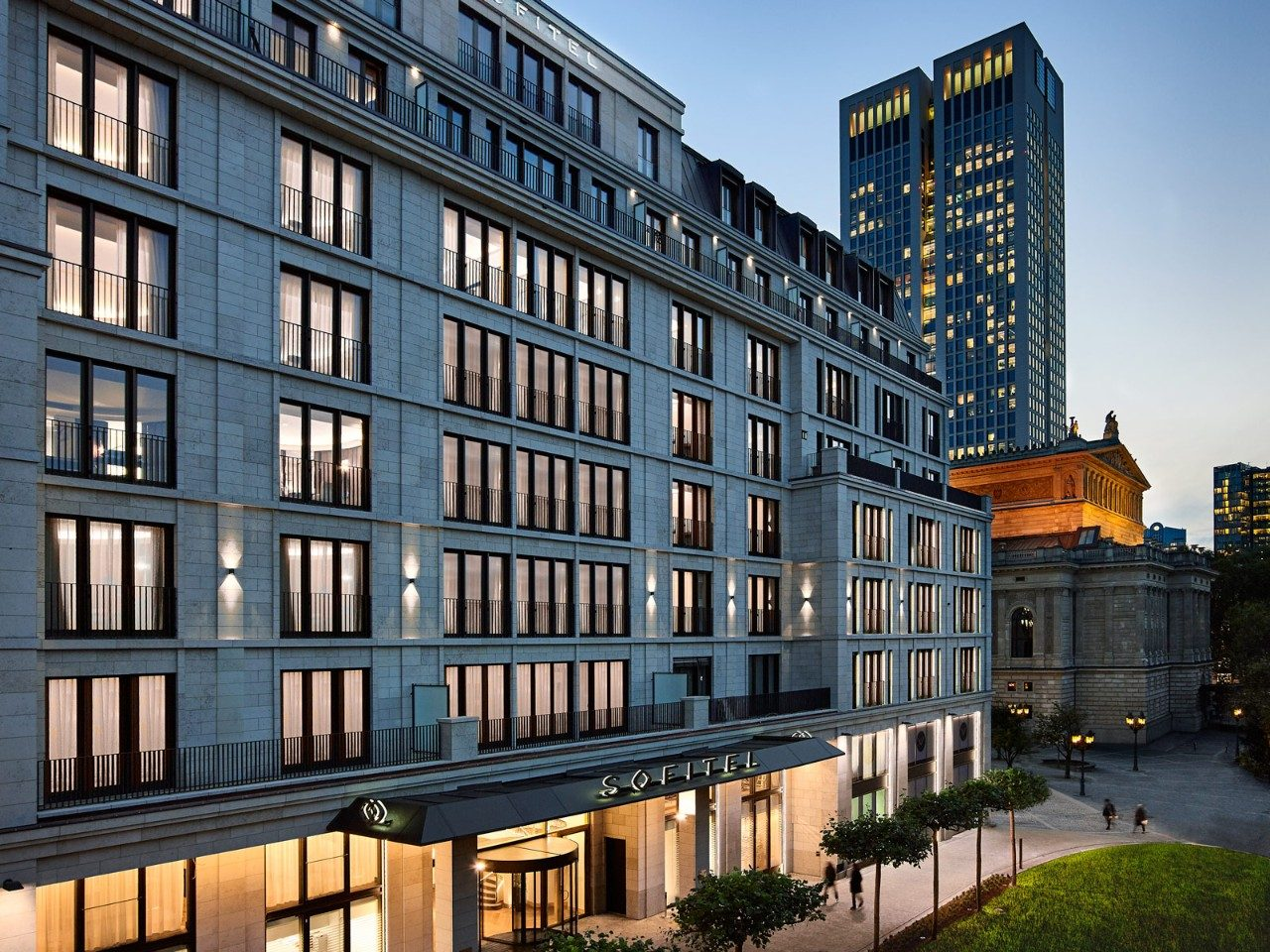 Cash Pool Frankfurt Hauptbahnhof Frankfurt Hotels For The Savvy Business Traveller Travel