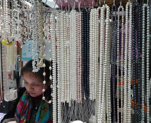Jimo lu Qingdao China fake market 8