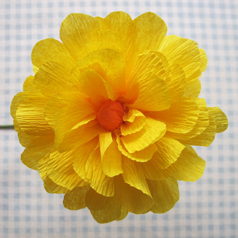flower making using crepe paper