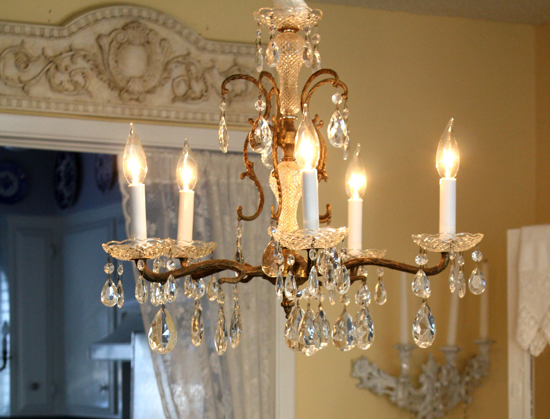 Chandelier Lights For Dining Room Crystal Chandeliers Qnud
