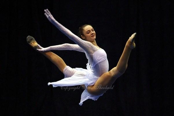 How Do Artistic Gymnastics And Rhythmic Gymnastics Differ