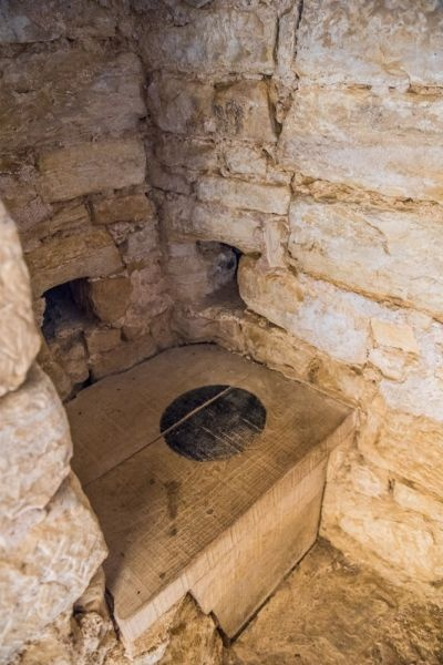 Hay Garderobe What Were The Bathroom Facilities Like During Medieval